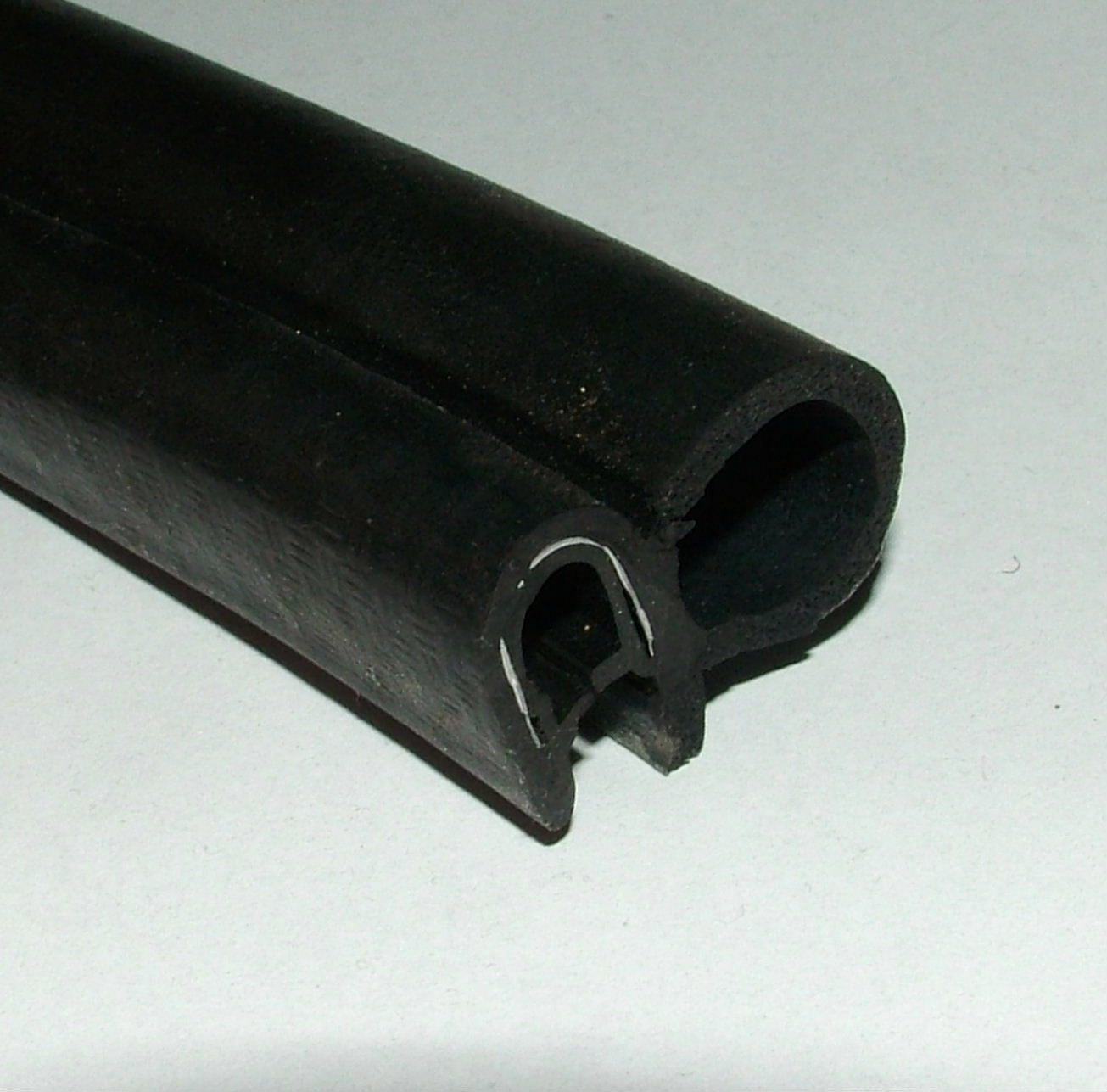 Boot/trunk seal - 2 & 4 door