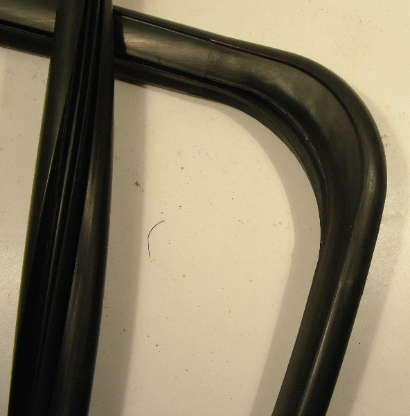 Tailgate / hatch glass gasket - 3-door