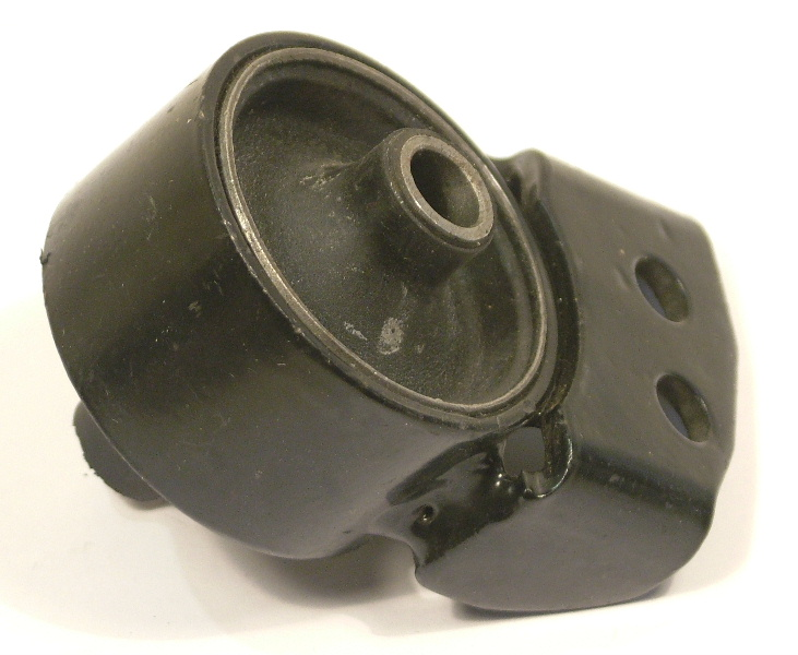 Left engine mount